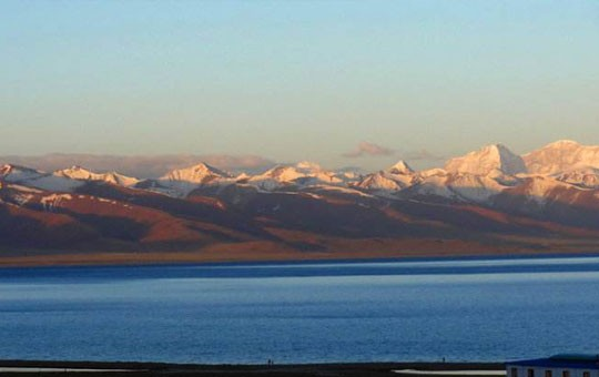 Sunrise at Namtso Lake