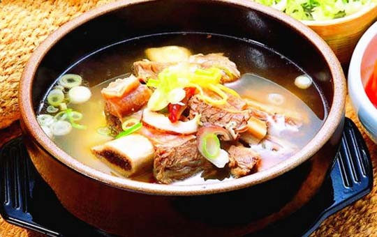 Cantonese stewed soup